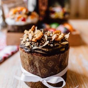 Кулич в шоколадной глазури